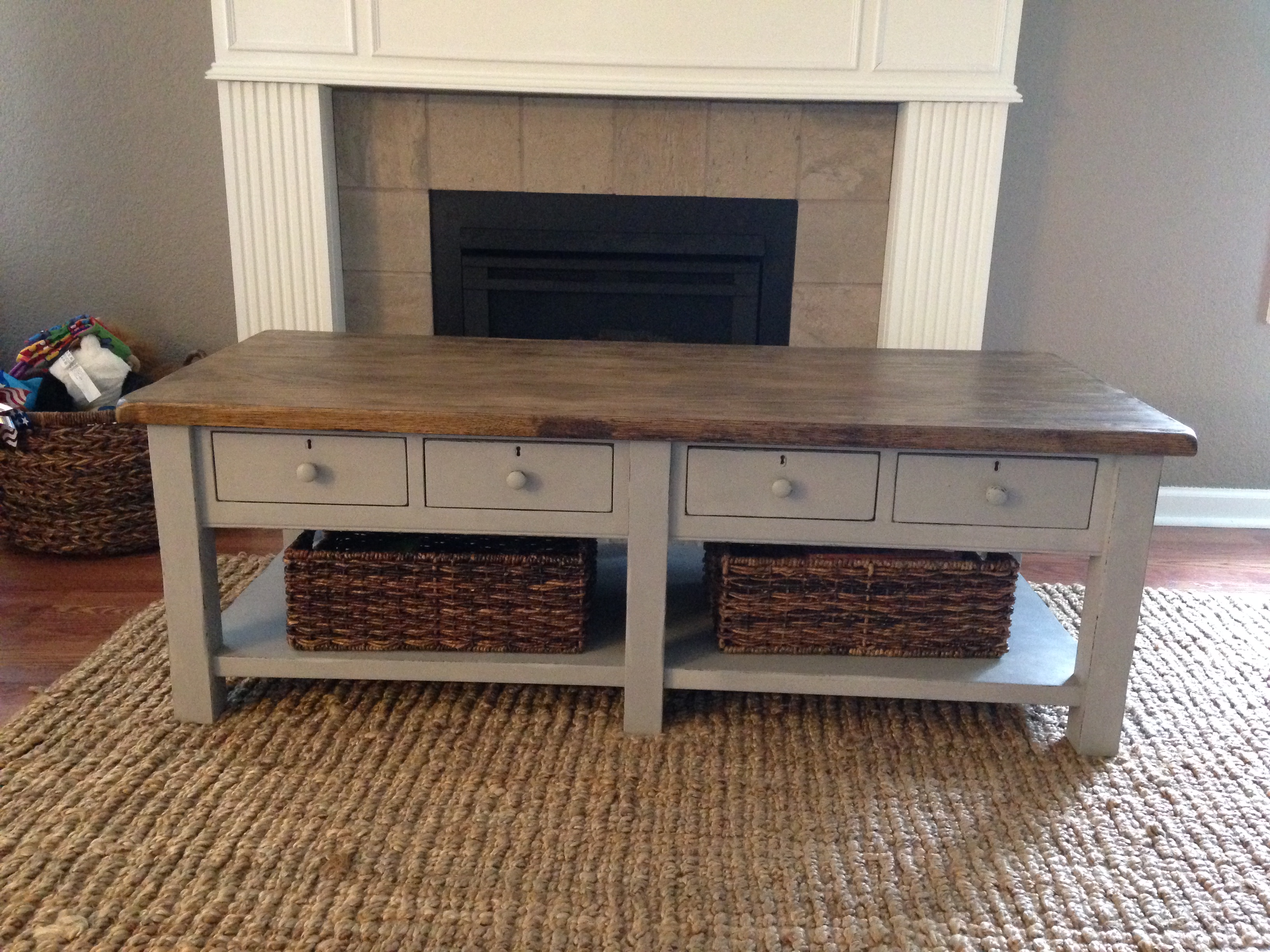 Coffee table chalk paint makeover – suddenly inspired