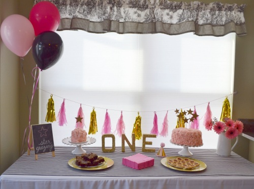 suddenlyinspired | pink gold black twinkle little star birthday party dessert table
